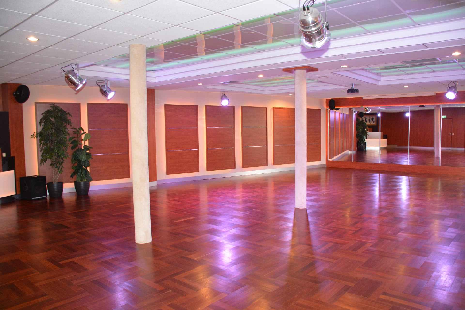 unterer Saal der Tanzschule Möllmann